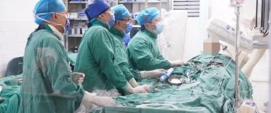 """置换瓣膜不开胸丨国内先进技术""""TAVI""""让七旬奶奶重获""""心生"""""""